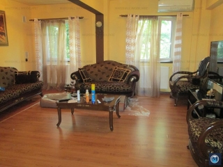 Apartament 4 camere de vanzare, zona Cantacuzino, 80 mp