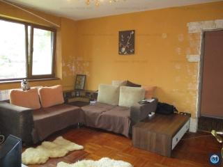 Apartament 3 camere de vanzare, zona Sud, 57.18 mp