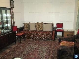 Apartament 3 camere de vanzare, zona Baraolt, 71.53 mp