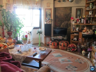 Apartament 3 camere de vanzare, zona Republicii, 72.60 mp