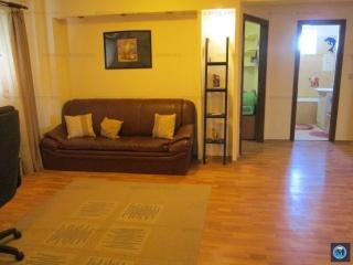 Apartament 4 camere de vanzare, zona Malu Rosu, 88 mp