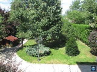 Vila cu 9 camere de vanzare, zona Ana Ipatescu, 350 mp