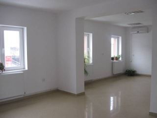 Spatiu  birouri de vanzare, zona Gheorghe Doja, 335 mp
