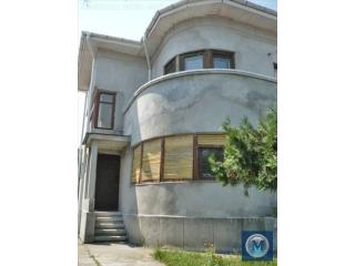Vila cu 5 camere de vanzare, zona Central, 250.27 mp