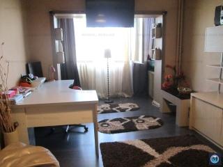 Apartament 3 camere de vanzare, zona Malu Rosu, 70.34 mp