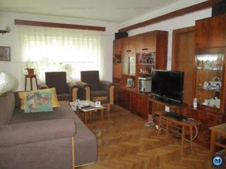 Vila cu 4 camere de vanzare, zona Central, 160 mp