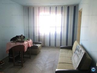 Apartament 4 camere de vanzare, zona Baraolt, 47.37 mp
