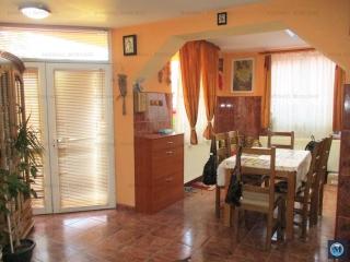 Vila cu 14 camere de vanzare, zona Central, 230 mp