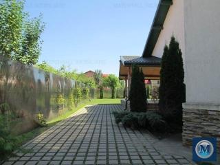Vila cu 5 camere de vanzare, zona Exterior Est, 200 mp