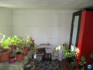 Casa cu 2 camere de vanzare, zona Rudului, 73 mp