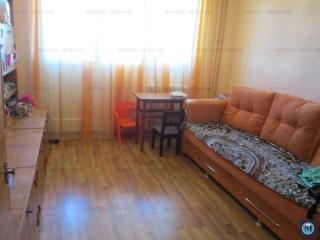 Apartament 3 camere de vanzare, zona Malu Rosu, 56.94 mp