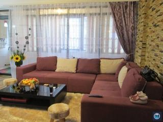 Apartament 3 camere de vanzare, zona 9 Mai, 94.85 mp