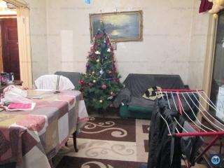 Apartament 4 camere de vanzare, zona Vest, 64.96 mp