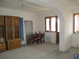Vila cu 4 camere de vanzare, zona Postei - Bucov, 245 mp