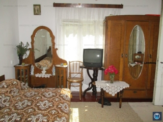 Casa cu 4 camere de vanzare, zona Marasesti, 114 mp