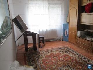 Apartament 4 camere de vanzare, zona Penes Curcanul, 77 mp