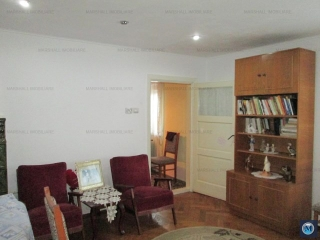 Casa cu 5 camere de vanzare, zona Lupeni, 109.06 mp