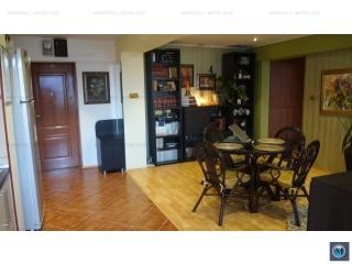 Apartament 3 camere de vanzare, zona Republicii
