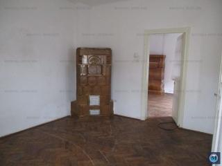 Casa cu 4 camere de vanzare, zona Nord, 80 mp