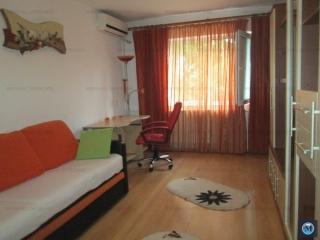 Apartament 4 camere de vanzare, zona Baraolt, 54 mp