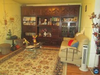 Apartament 3 camere de vanzare, zona Gheorghe Doja, 81.77 mp