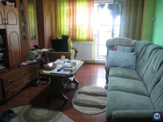 Apartament 3 camere de vanzare, zona Malu Rosu, 72.19 mp