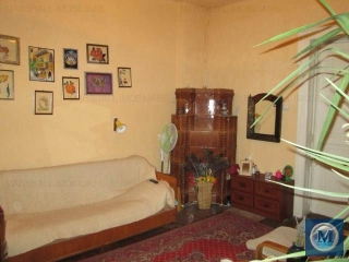 Casa cu 3 camere de vanzare, zona Central, 86.18 mp