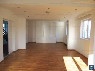 Vila cu 12 camere de vanzare in Strejnicu, 344.22 mp