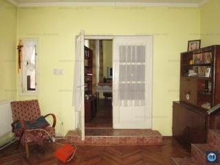 Casa cu 5 camere de vanzare, zona Democratiei, 141.66 mp
