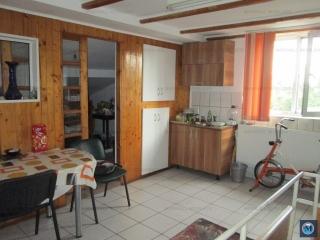 Vila cu 6 camere de vanzare, zona Eroilor, 500 mp