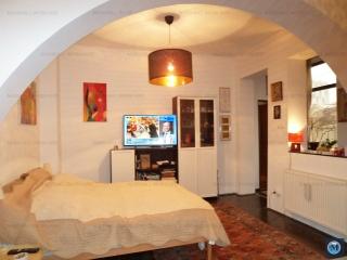 Casa cu 2 camere de vanzare, zona Marasesti, 83 mp