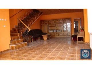 Vila cu 12 camere de vanzare in Strejnicu, 800 mp