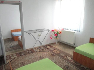 Apartament 4 camere de vanzare, zona Ultracentral, 71.84 mp