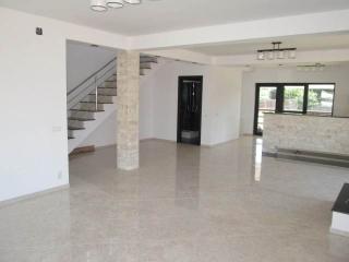 Vila cu 4 camere de vanzare, zona Exterior Est, 133.59 mp
