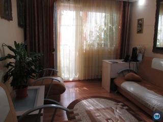 Apartament 3 camere de vanzare, zona Malu Rosu, 60.77 mp