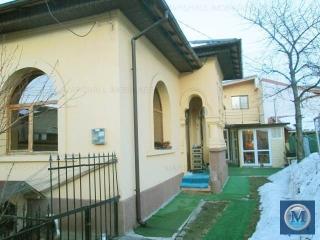 Vila cu 7 camere de vanzare, zona Eminescu, 181 mp