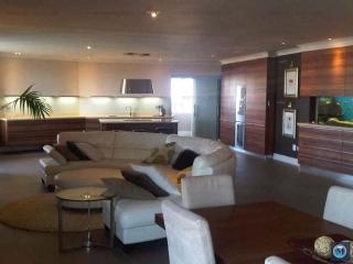 Apartament 5+ camere de vanzare, zona Gheorghe Doja, 178.57 mp