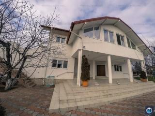 Vila cu 7 camere de inchiriat in Baicoi, zona Vest, 360 mp