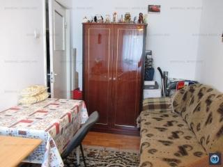 Apartament 3 camere de vanzare, zona Malu Rosu, 57 mp