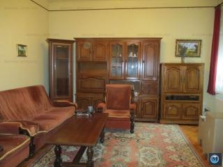 Casa cu 5 camere de vanzare, zona Transilvaniei, 180 mp