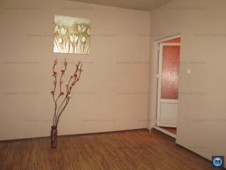 Casa cu 3 camere de vanzare, zona Central, 68 mp