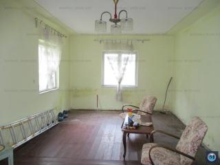 Casa cu 3 camere de vanzare, zona Lupeni, 78.33 mp
