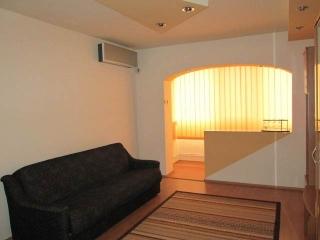 Apartament 2 camere de inchiriat, zona Baraolt