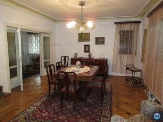 Casa cu 7 camere de vanzare, zona Rudului, 157.52 mp