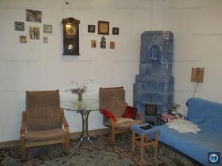 Casa cu 4 camere de vanzare, zona Lupeni, 140 mp
