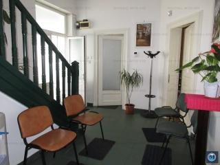 Vila cu 10 camere de vanzare, zona Central, 398.66 mp