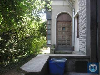 Casa cu 7 camere de vanzare, zona Central, 180 mp