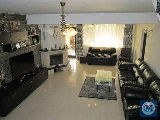 Vila cu 7 camere de vanzare in Blejoi, 291.9 mp