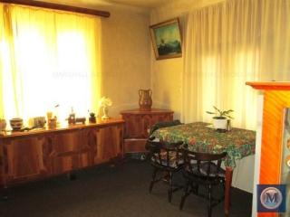 Vila cu 5 camere de vanzare, zona Central, 173 mp