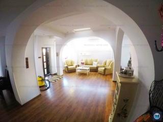 Casa cu 4 camere de vanzare, zona Motoi, 178 mp